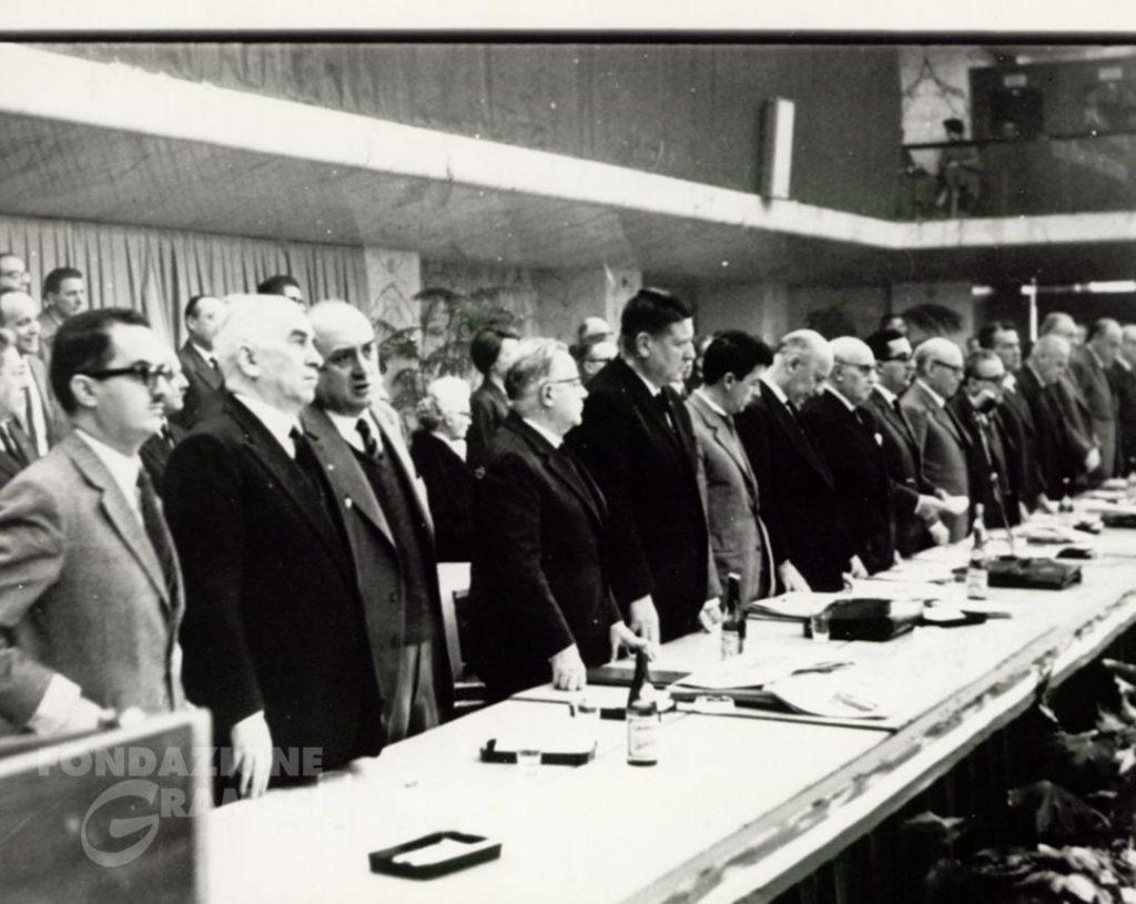 La presidenza del X Congresso nazionale del Pci